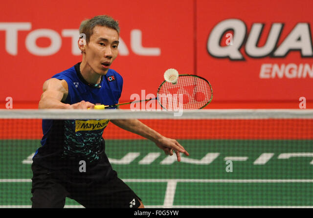 Jakarta, Indonesia. 15th Aug, 2015. Lee Chong Wei of Malaysia returns the shuttlecock to Jan O Jorgensen of Denmark - Stock-Bilder