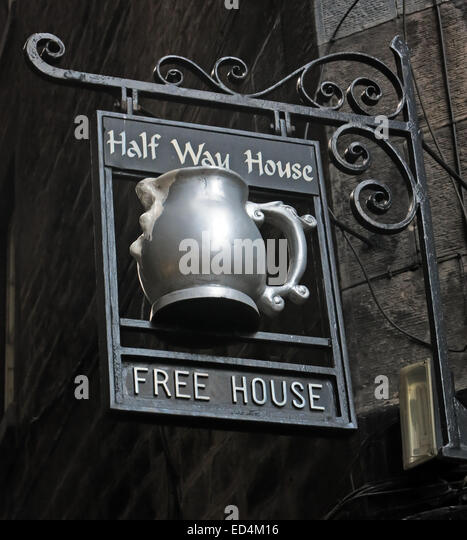 Halfway House Pub, Fleshmarket Close, Edinburgh City, Scotland, UK detail of sign - Stock Image