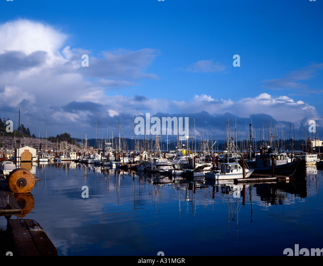 Fishing boats port newport oregon stock photos fishing for Newport oregon fishing charters