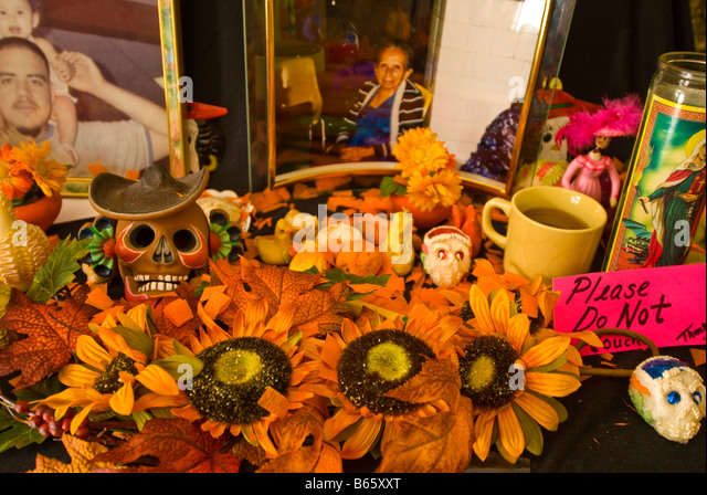 Day of the Dead altar traditional marigold flowers Mexican tradition Dia de los Muertos celebration San Antonio - Stock Image