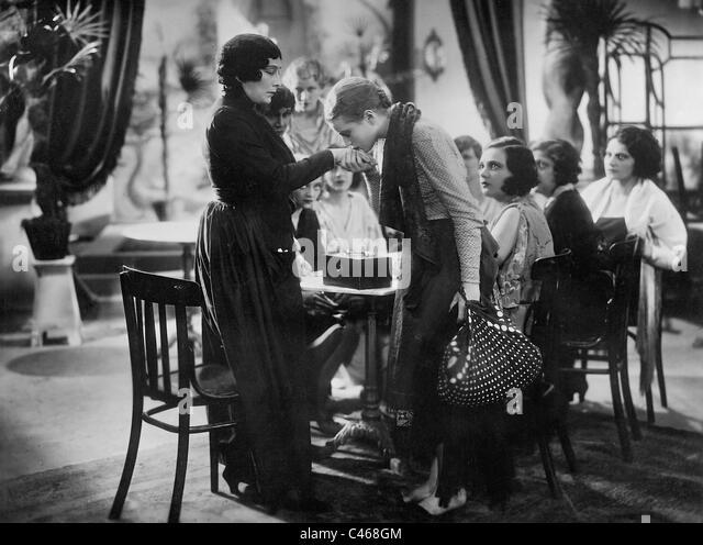 Annabella in a movie scene - Stock-Bilder