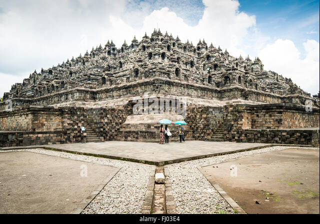 java buddhist dating site Borobudur is a buddhist stupa and temple complex in central java, indonesia dating from the century, and a unesco world heritage site this is one of world's truly great ancient monuments, the single largest buddhist structure anywhere on earth.