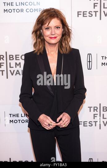 New York, NY, USA. 19th Apr, 2016. Susan Sarandon at arrivals for THE MEDDLER Premiere at 2016 Tribeca Film Festival, - Stock Image