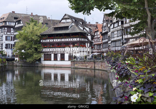 Strasbourg dining restaurant stock photos strasbourg for Cuisine maison france 5