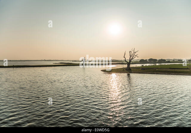 Morning light, Thaungthaman Lake, Amarapura, Mandalay Division, Myanmar - Stock-Bilder