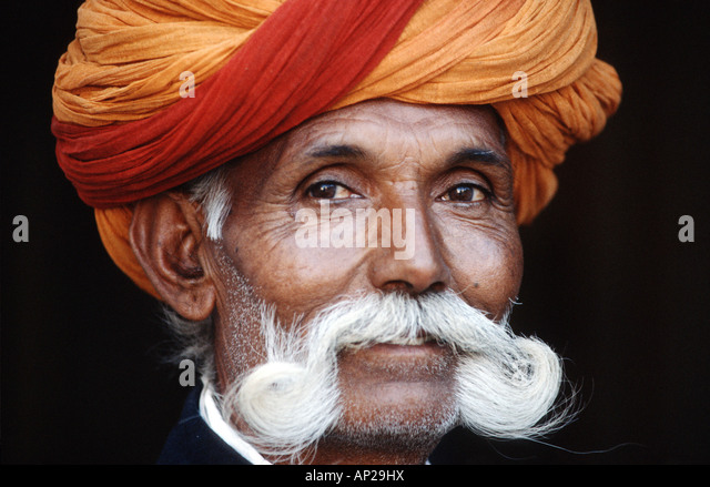 India, Rajastan: portrait of a man with beart and turban - Stock-Bilder