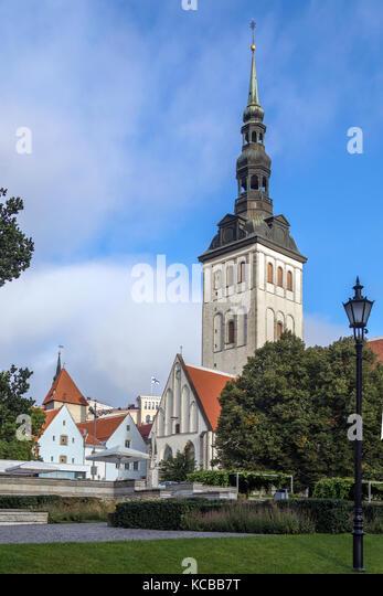 St. Nicholas Church (Niguliste Kirik) in the old town area of the city of Tallinn in Estonia. - Stock Image