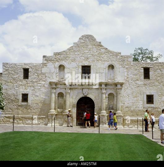 Who Designed The Alamo Building