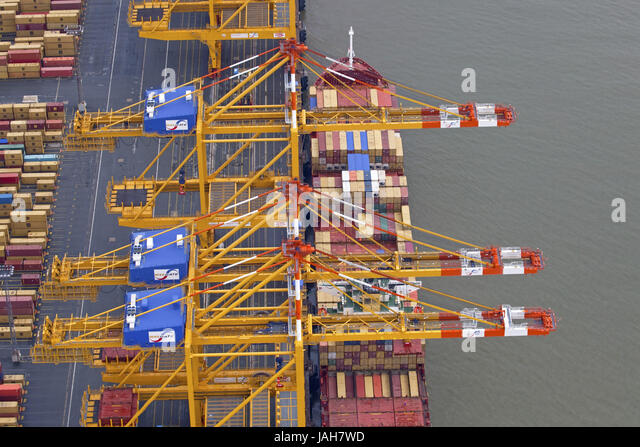 container terminal bremerhaven stock photos container. Black Bedroom Furniture Sets. Home Design Ideas