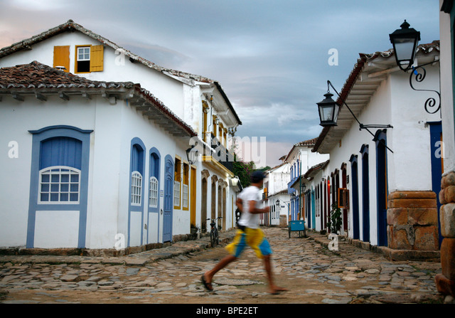 Typical colonial houses in the historic part of Parati, Rio de Janeiro State, Brazil. - Stock Image