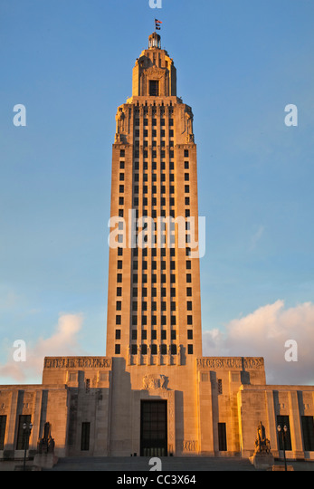 USA, Louisiana, Baton Rouge, Louisiana State Capitol, b.1931, sunset - Stock-Bilder