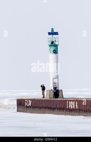 lighthouse-at-the-end-of-the-pier-on-a-f