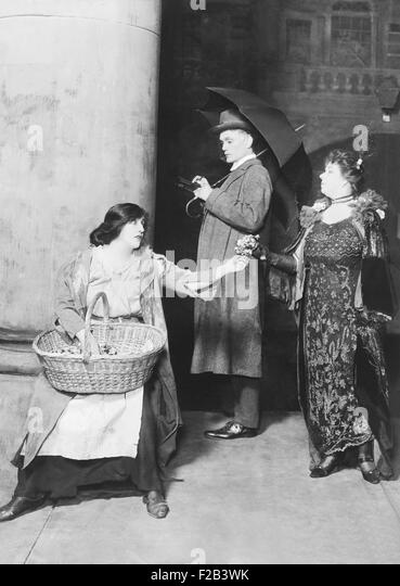 Mrs. Patrick Campbell as Eliza Doolittle in 'Pygmalion'. George Bernard Shaw wrote the play expressly for - Stock Image