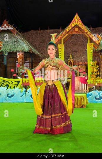 Dancer at a dance show in Phuket Town, Phuket Island, Thailand, Asia - Stock-Bilder