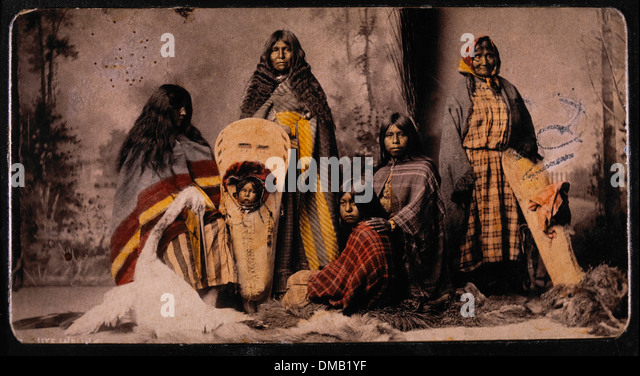 Ute Women and Children, Portrait, 1888 - Stock-Bilder