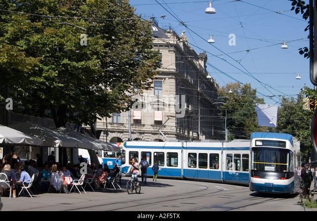 Switzerland Zurich credit suisse Tram Cafe Spruengli Bahnhofstrasse Paradeplatz people - Stock Image