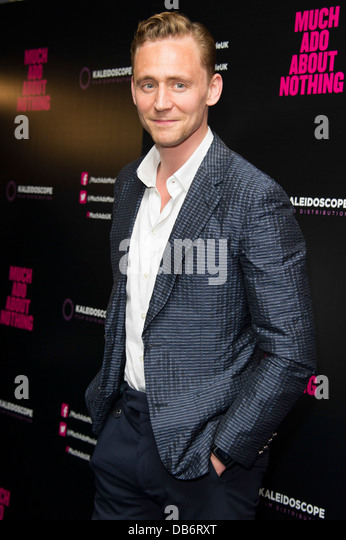 Tom Hiddleston arrives for the UK Premiere of 'Much Ado About Nothing', London, Tuesday, June. 11, 2013. - Stock-Bilder