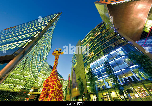 Germany, Berlin: Contemporary architecture at Potsdam Square by night - Stock Image
