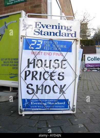 HOUSE PRICES SHOCK headline 8th APRIL 2008 Evening Standard newspaper board in London UK housing market - Stock Image