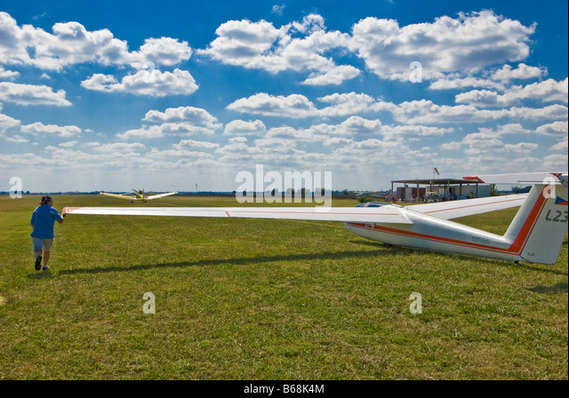 Blanik L-23 glider prepares for launch, Greater Houston Soaring Association, Wallis, Texas. - Stock Image