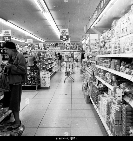 1960s, historical picture, a new kind of grocery store, a large Fine Fare self-service shop, one of the first 'supermarkets' - Stock Image