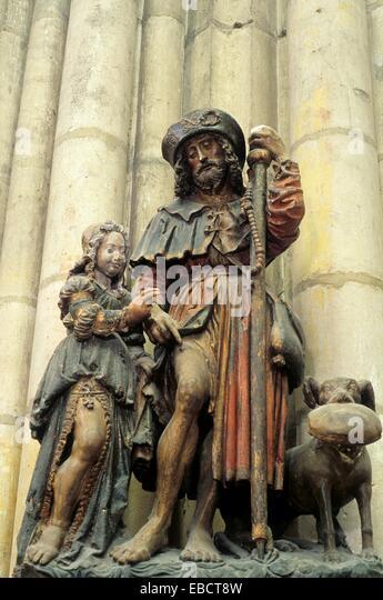 Statue en pierre polychrome Saint Roch XVIe siècle,basilique Saint-Urbain,Troyes,Aube,region - Stock Image