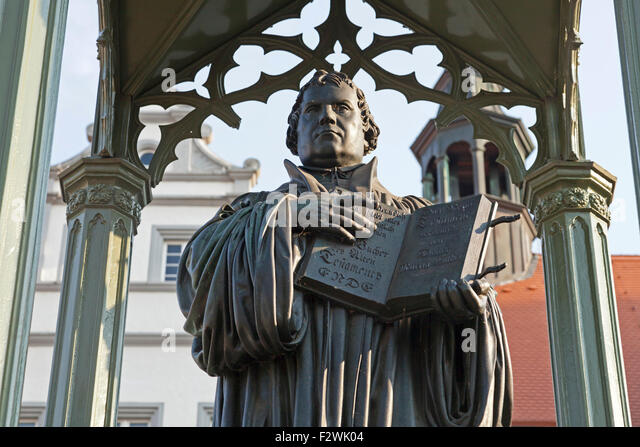 martin-luther-monument-in-front-of-the-t