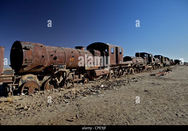 Rusting locomotive at train graveyard, Uyuni, Bolivia, South America - Stock Image