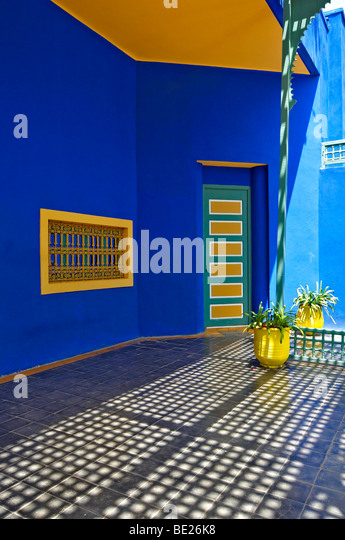 A graphic detail of the old studio of Jacques Majorelle, now the Museum at Jardin Majorelle in Marrakech - Stock-Bilder
