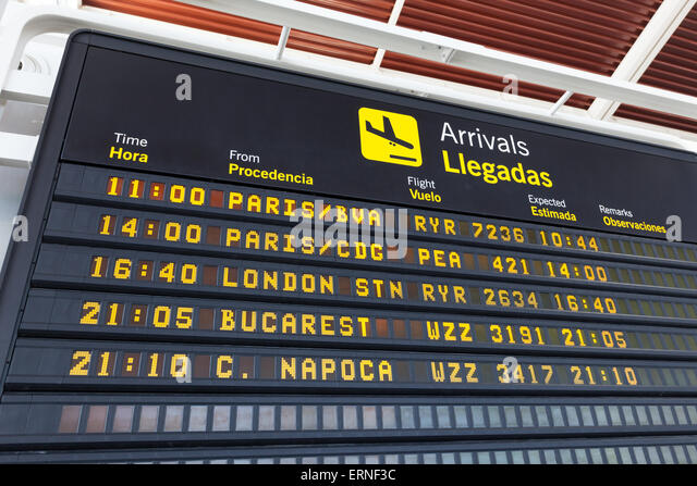 Arrivals table at the airport of Zaragoza, Spain - Stock-Bilder