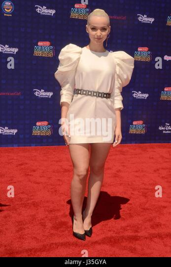 Dove Cameron at arrivals for Radio Disney Music Awards - ARRIVALS, Microsoft Theater, Los Angeles, CA April 29, - Stock-Bilder
