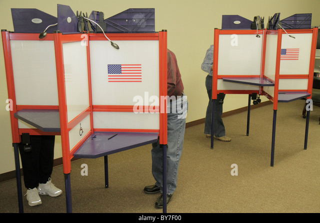 North Carolina Hayesville small town election voting government local politics early vote voting polling booth secrecy - Stock Image