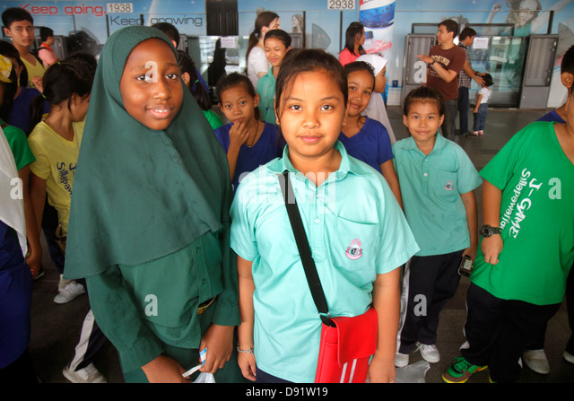 fairfax station single muslim girls Fairfax connection fairfax station/clifton/lorton connection being muslim in fairfax county girls at the school are taught the core subjects of.