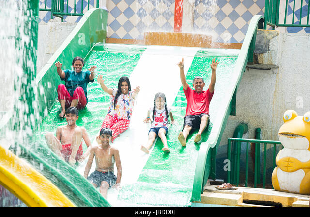 Kids With Parents Swimming Stock Photos Kids With Parents Swimming Stock Images Alamy