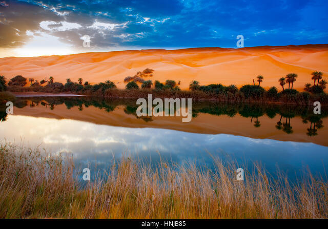 Umm-al-Maa Lake reflections, Sahara Desert, LIbya Ubari Lakes, Ubari Sand Sea  Natural salt lakes in Sahara interior - Stock-Bilder
