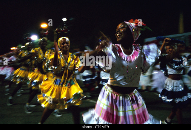 Maedchentanzgruppe at the Carnival in Santiago de Cuba - Stock Image