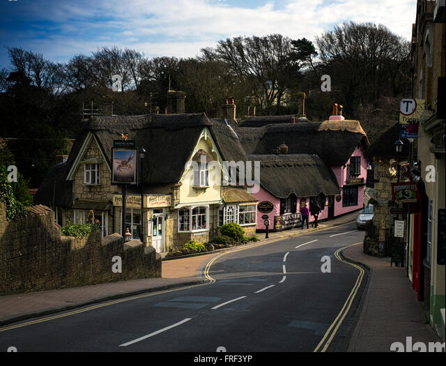 The thatched shops and pubs of Shanklin old village on the Isle of Wight - Stock Image