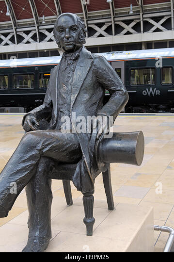 Brunel Statue,Paddington with GWR train,London,UK - Stock Image