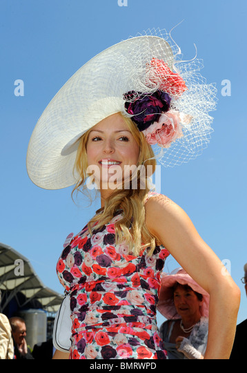 A female race goer wearing a hat attends day three of Royal Ascot 2010 - Stock Image
