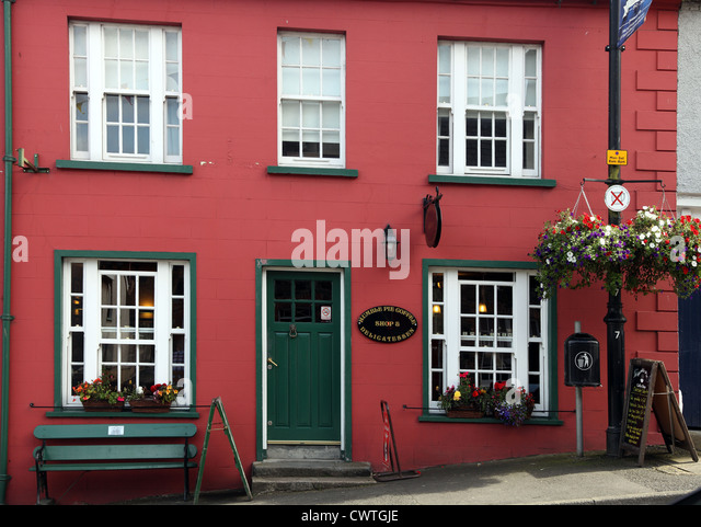Humble Pie Coffee Shop & Delicatessen, Main St, Hillsborough, Co. Down, Ulster, Northern Ireland - Stock Image