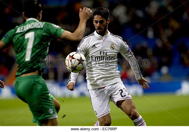 SPAIN, Madrid: Real Madrid's Spanish midfielder Isco Alarcon and Ludogorets´s midfielder player Mihail - Stock Image