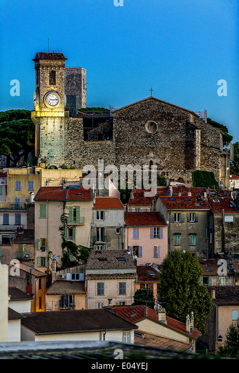 Europe, France, Alpes-Maritimes, Cannes. Suquet, church at dusk. - Stock Image
