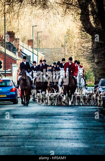 Leominster, UK. 26th Dec, 2016. 26/12/2016, Etnam Street, Leominster, Herefordshire. Boxing Day Hunt. The North - Stock Image