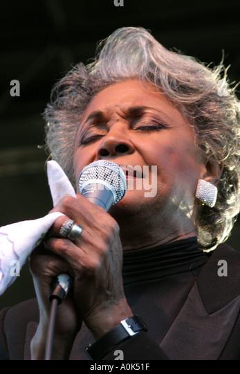 Toledo Ohio International Park Art Tatum Jazz Heritage Festival Nancy Wilson singer performer microphone - Stock Image