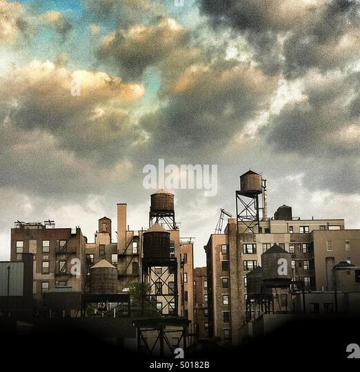 An urban skyline of apartment buildings in manhattan, New York City - Stock-Bilder