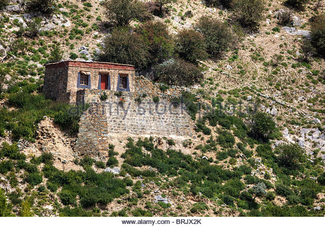 Along the pilgrim kora route high above the Kyi Chu Valley. - Stock-Bilder