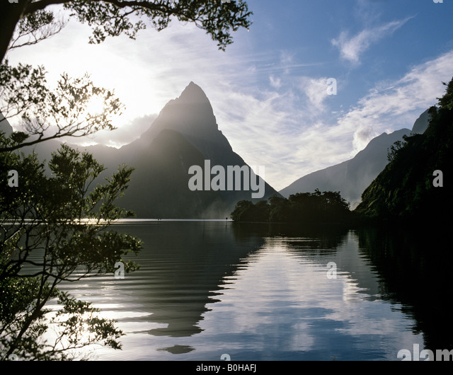 Mitre Peak, Milford Sound, fjord area, National Park, South Island, New Zealand - Stock-Bilder