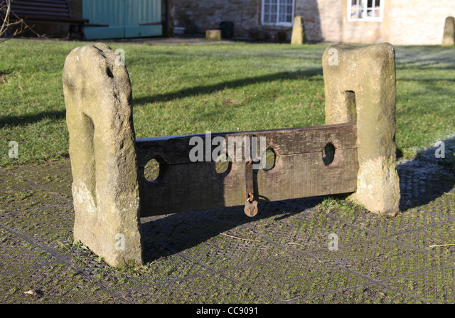 medieval stocks how to make