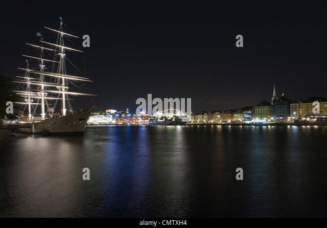 Sailing ship in urban environment - Stock Image