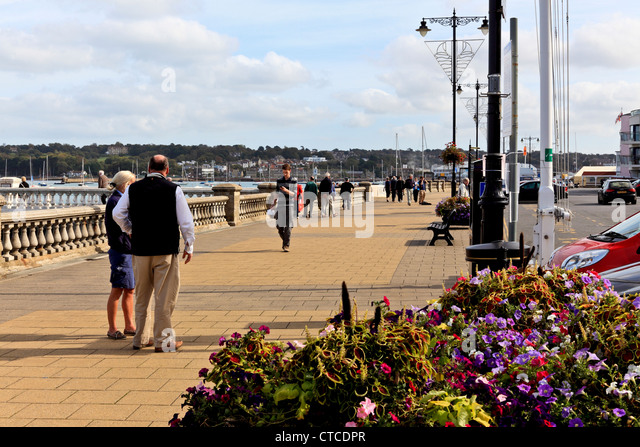 4100. The Parade, Cowes, Isle of Wight, UK - Stock Image